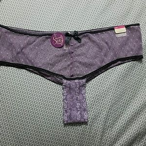 NWT Seriously Sexy Collection Cacique Thong 22/24